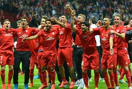 Sevilla triumfuje w Lidze Europy