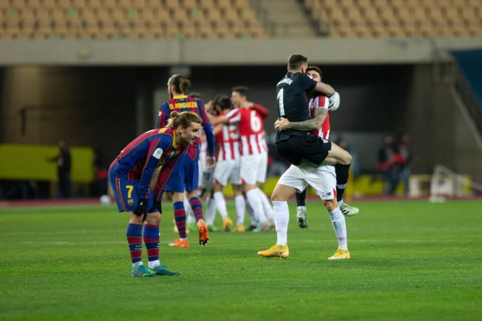 Piłkarze Athleticu w meczu z Barceloną