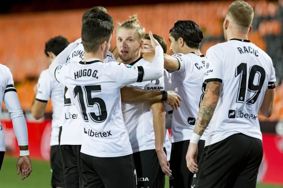 Piłkarze Valencii w meczu z Elche