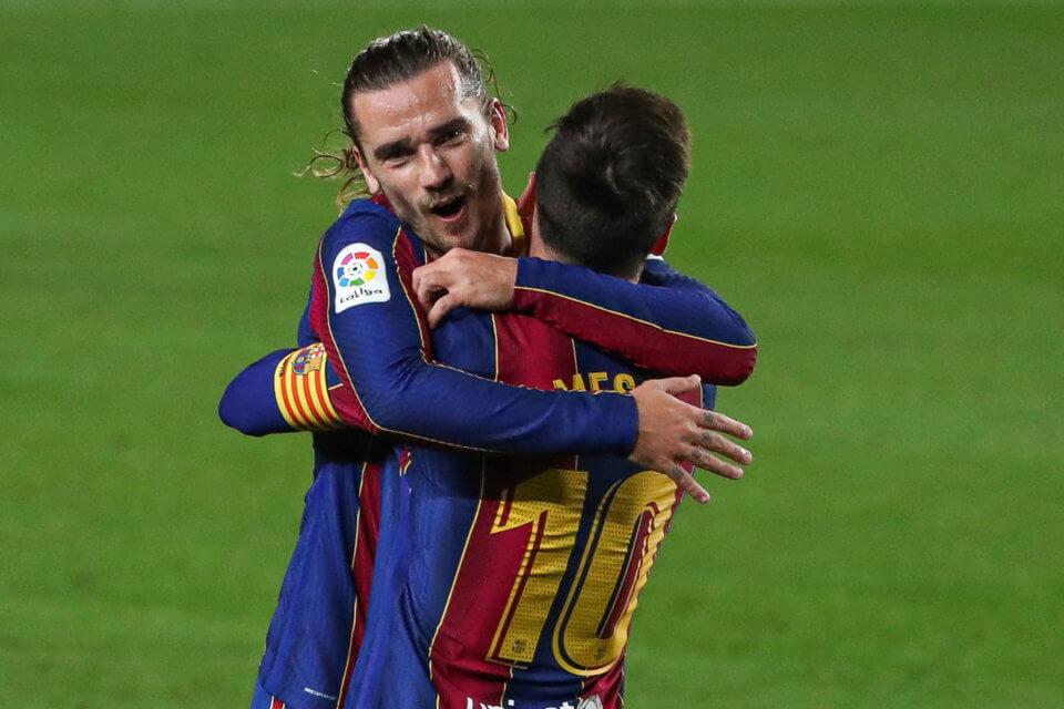 Leo Messi i Antoine Griezmann w meczu z Hueską
