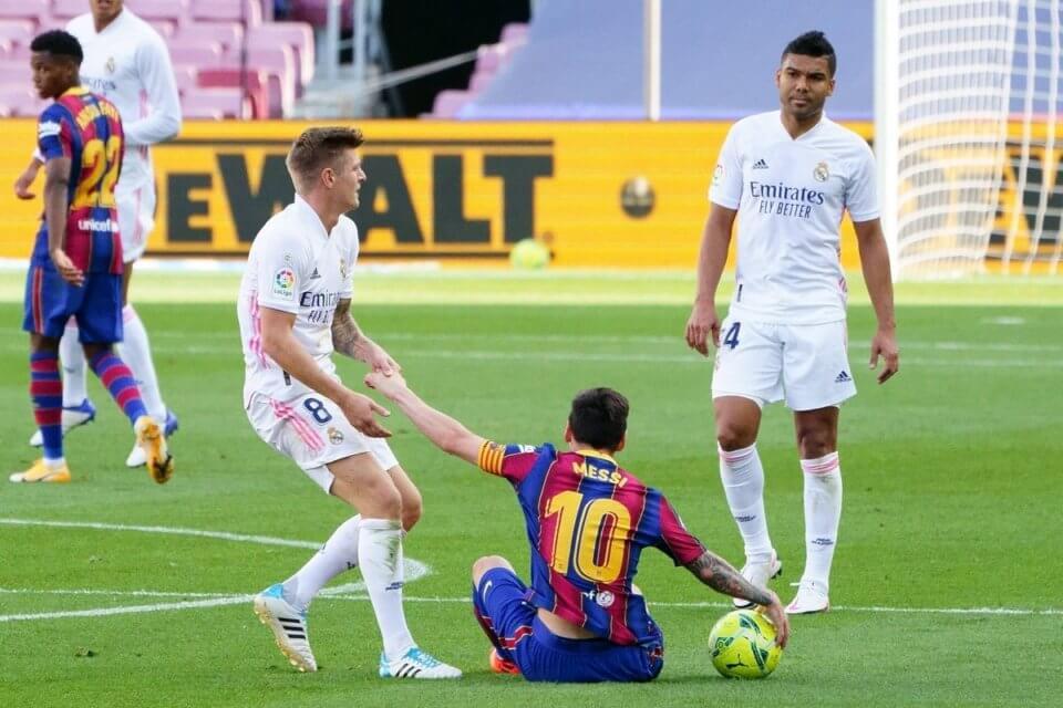 Leo Messi w walce z Realem Madryt