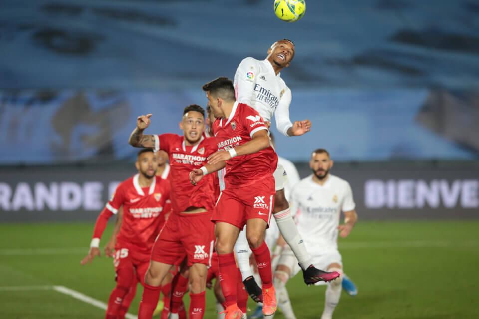 Eder Militao w meczu z Sevillą